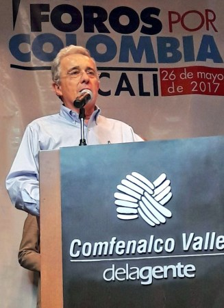 Former Colombian President Álvaro Uribe speaking at a security forum in Cali in May 2017. (Photo credit: Centro Democratico)