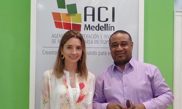 ACI Medellín's Catalina Restrepo with Finance Colombia's Loren Moss