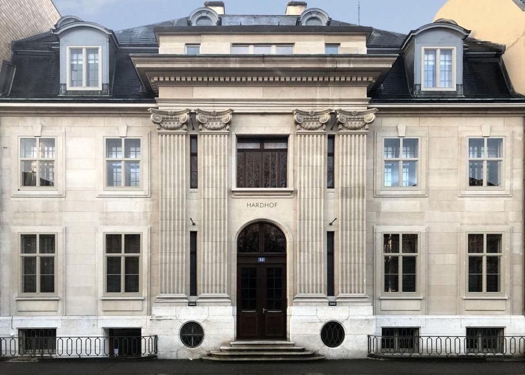 Finance Corner . Hardhof