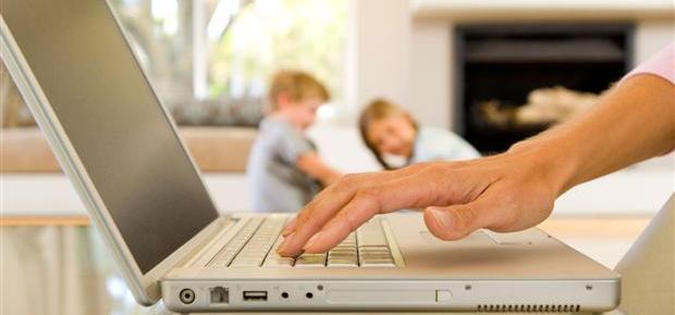 stay at home mom | mom shaming | working mom | motherhood