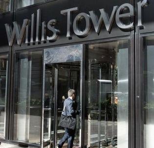 Le courtier en assurance américain Willis Group Holdings, propriétaire du gratte-ciel Willis Tower à Chicago, a bouclé mercredi le rachat à 100% du français Gras Savoye après avoir acquis la participation majoritaire du fonds Astorg. /Photo d'archives/REUTERS/Frank Polich