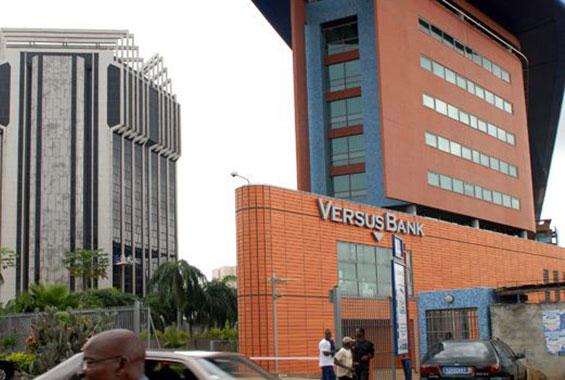 VERSUS-BANK