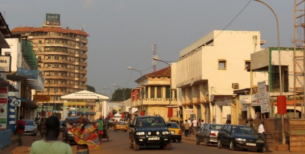 bangui-downtown-coke-et-som-smith