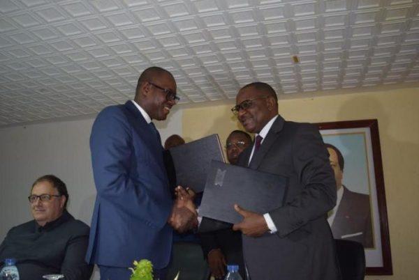 les_douanes_camerounaises_et_b_1329886013_bollore-douane-partenaire-700x469