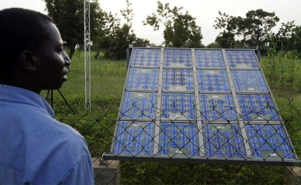 4888447_6_8742_panneaux-solaires-a-ouagadougou_06715c3e9e12d52b9edc0fb93a95d603