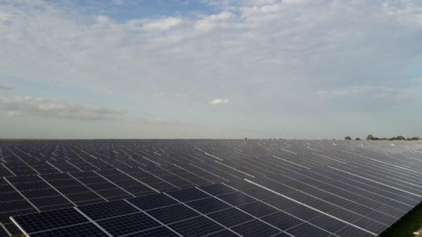 Senergy 2, portée par GreenWish au Sénégal, est la première centrale solaire de taille industrielle en Afrique de l'Ouest. © GreenWish