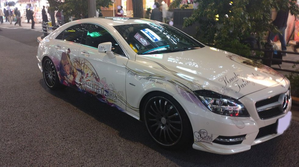 Akihabara itasha decorated car