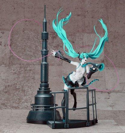 Hatsune Miku - Love is War Refined ver figuuri + 20th anniversary book