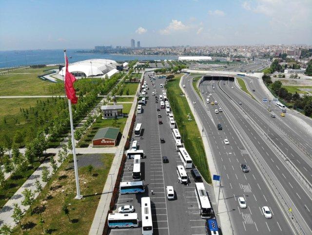 Binali Yıldırım'ın Köprü Cezalarına Düzenleme Yapılacağını Söylemesinin Ardından, Mağdurlar Konvoyla Kutlama Yaptı
