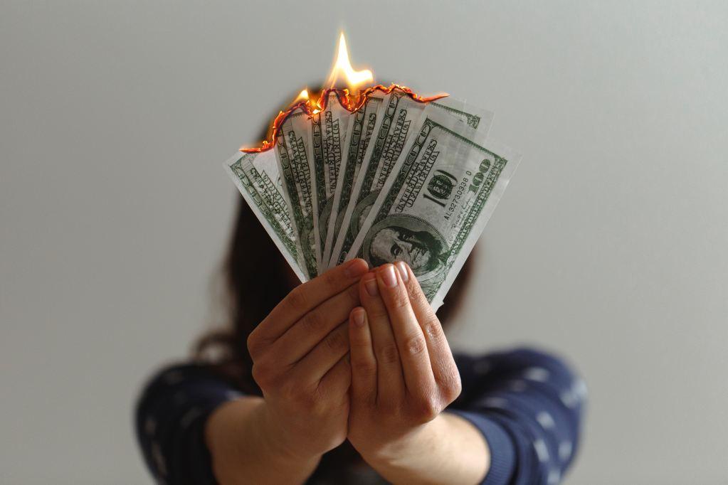 Brennende Geldscheine