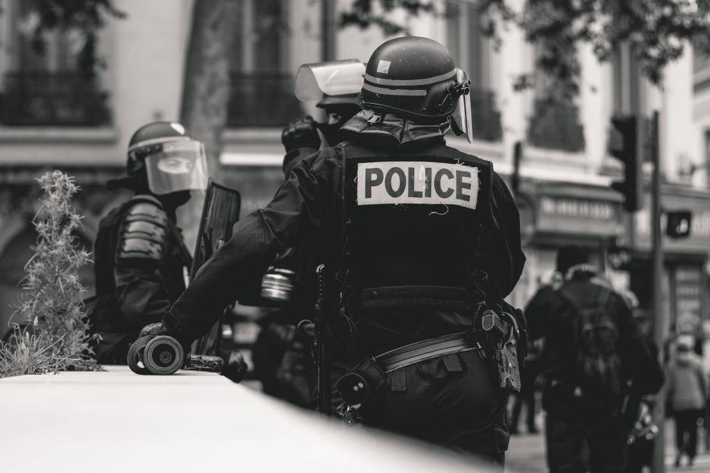 Mehrere Polizisten