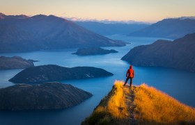 New Zealand: Climbing Coromandel Peak in Wanaka