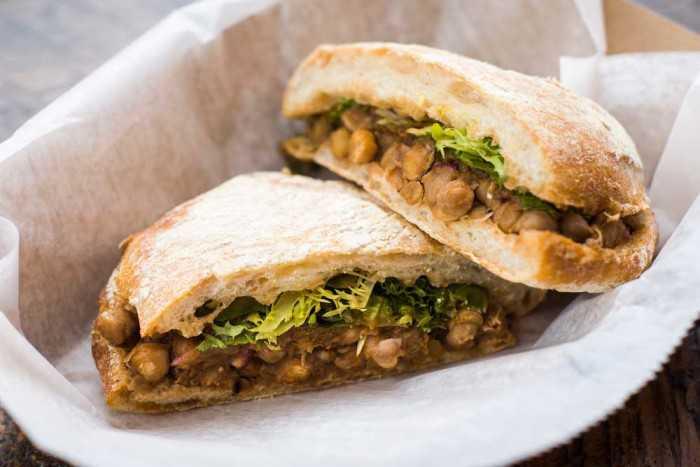 Chana sandwich