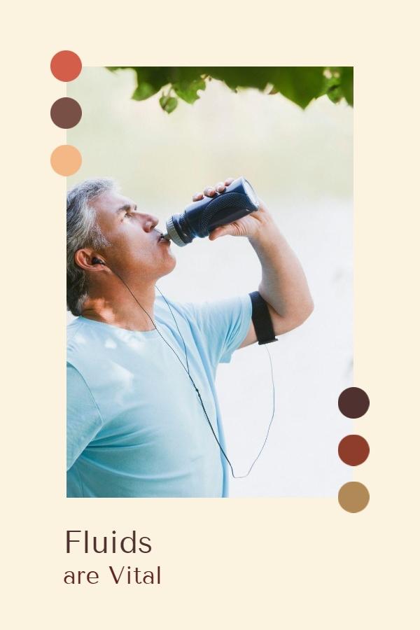 Sıvı alımınızı yönetin - yaşlı bir adam sıvı içiyor
