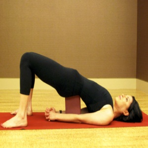 5 effective power yoga exercises for beginners  find home