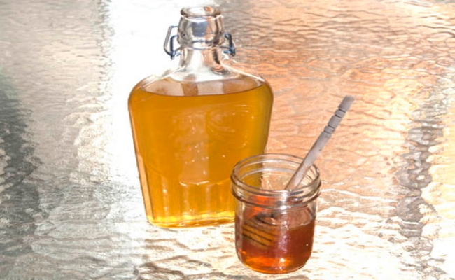 Honey And Tea Liquor