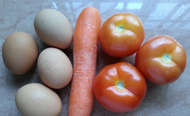 Eggs, Tomatoes And Carrots