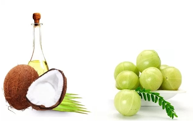 Coconut Oil And Indian Gooseberry