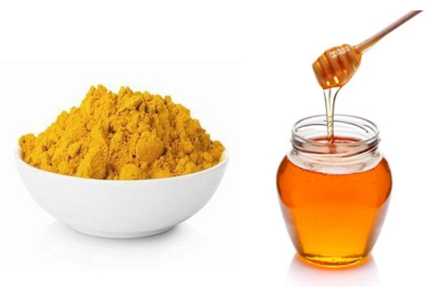 7. Honey And Turmeric