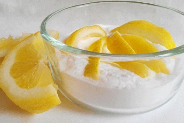 Lemon Juice And Baking Soda Paste