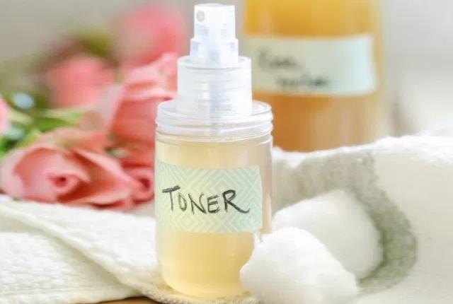Vinegar And Rose Water Toner