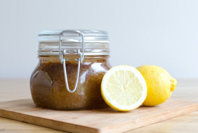 Lemon Essential Oil With Brown Sugar