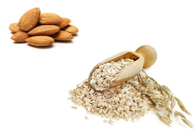 Oatmeal And Almonds