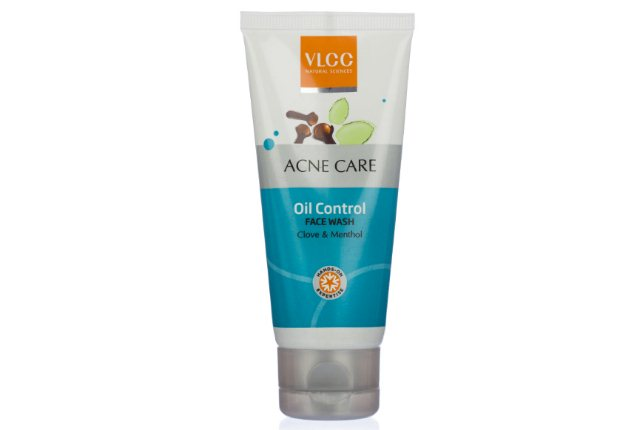 VLCC Acne Care Oil Control Face Wash With Clove And Menthol
