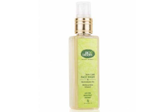 Biobloom Aloe Vera Neem Extract Bergamot Face Wash