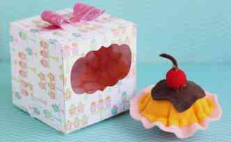 Felt cupcake in a decorative box