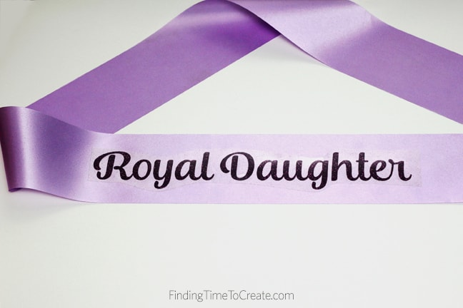 How to Make a Beautiful DIY Princess Sash