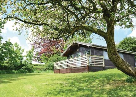 Avallon Lodges Outdoors