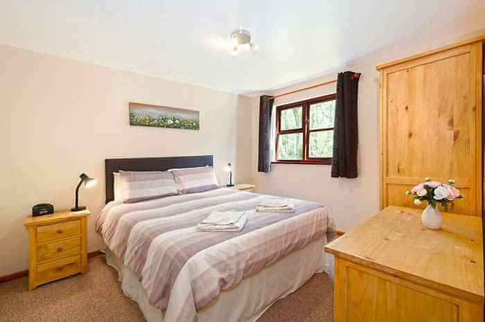 Eversleigh Woodland Lodges Bedroom