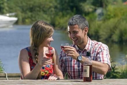 Waterside Drinks - Waveney River Centre Holiday Park