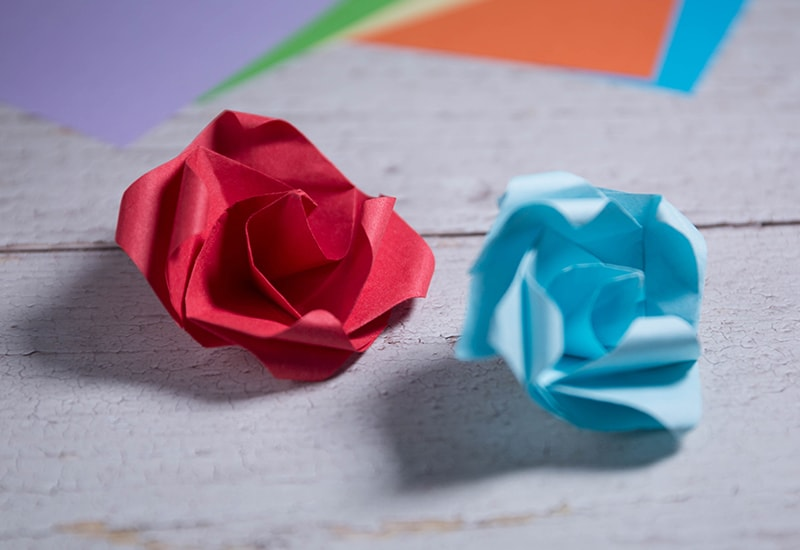 Origami Twisty Rose - YouTube | 550x800