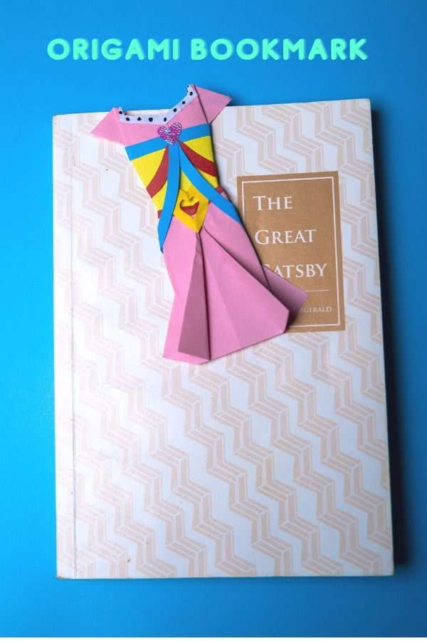 how to make origami clothing bookmark