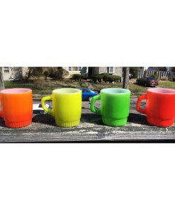 ANCHOR HOCKING Vintage Set of 4 Mugs Multi-Colored Oven Proof Made In USA