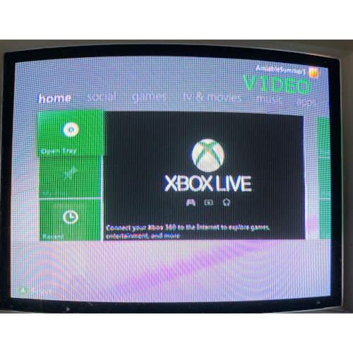Xbox 360 S 4GB Console Bundle