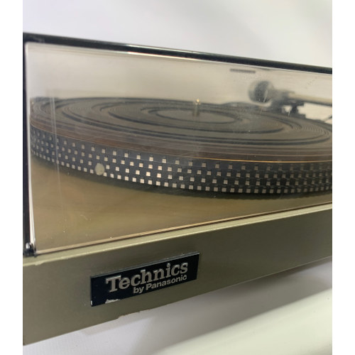TECHNICS SL-23 Frequency Generator Servo Turntable Belt Drive With Dust Cover
