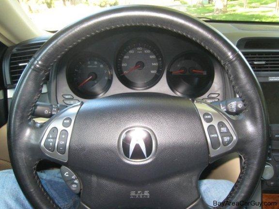 steering wheel and gauge cluster car photo