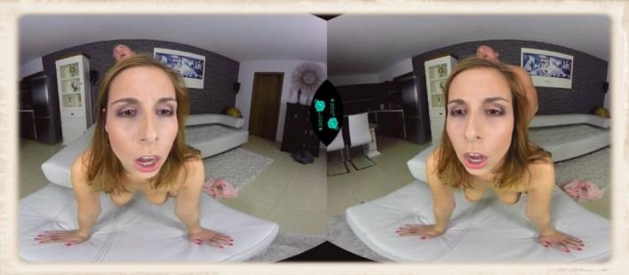 Antonia Czech VR doggy style