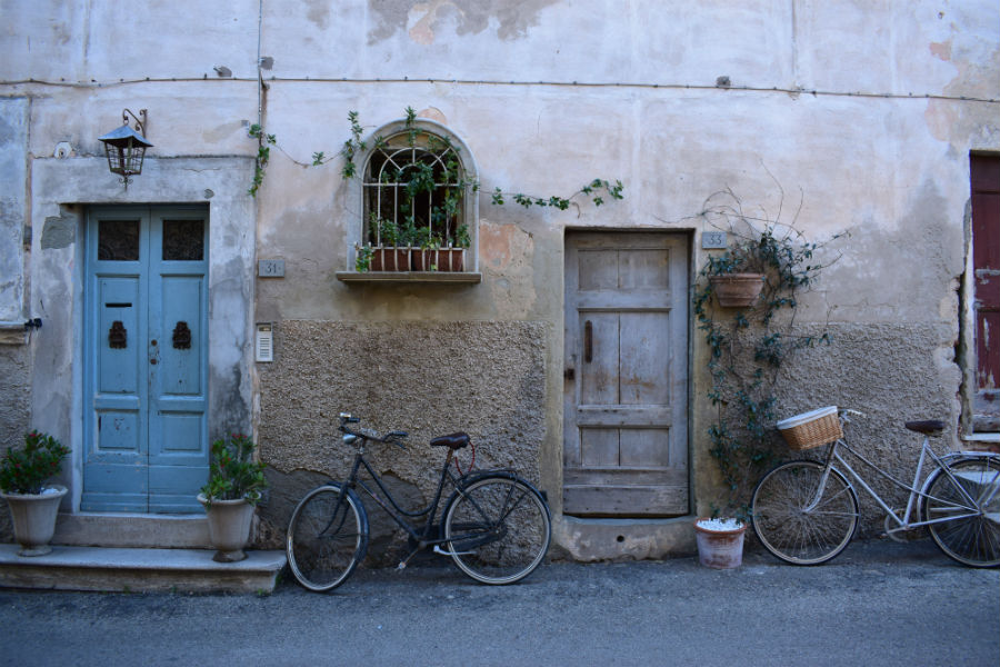The upswing of bicycle tourism in Italy, new opportunities and path
