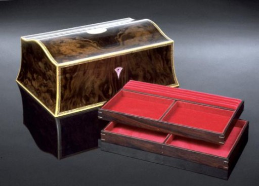 Double Curved Jewellery Box Veneered With Dramatic Burr