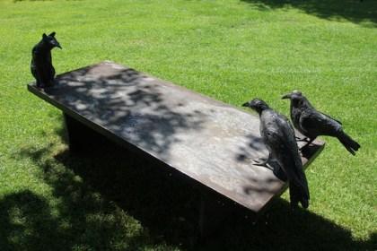 garden bench ravens