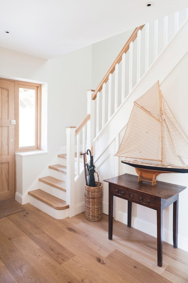 Thick Stair Treads With Entry And Boat Model Console Table | White And Wood Stairs | Non Slip | Foyer | Simple | Solid Wood | Indoor
