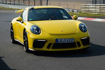 Neuer Porsche 911 GT3 fährt Porsche Nürburgring Bestzeit