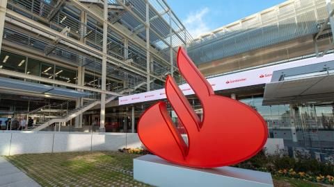 Santander to recruit 300 IT specialists for new innovation centre in Brazil