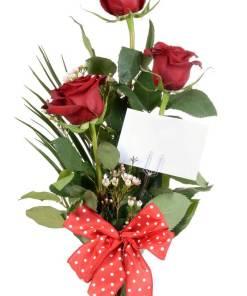 mazzo con 3 rose rosse d'amore