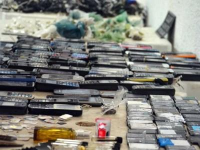 Presídios paulistas têm um celular apreendido a cada 38 minutos