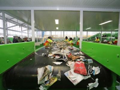 Quanto do lixo do seu bairro é reciclado? Índice não chega a 10% em SP